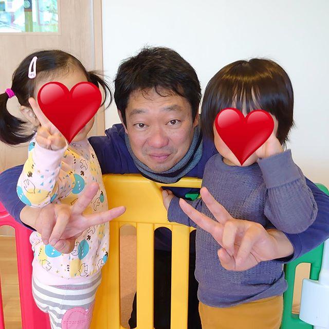 **今日は京都から本社の社長が来訪︎子どもたちとパチリ突然のお客様に子どもたちも大喜びでした**#社長in鹿児島#電車のみえる保育園 #鹿児島市 #かごしま #企業主導型保育園 #アドナース#小規模保育園 #一時預かり