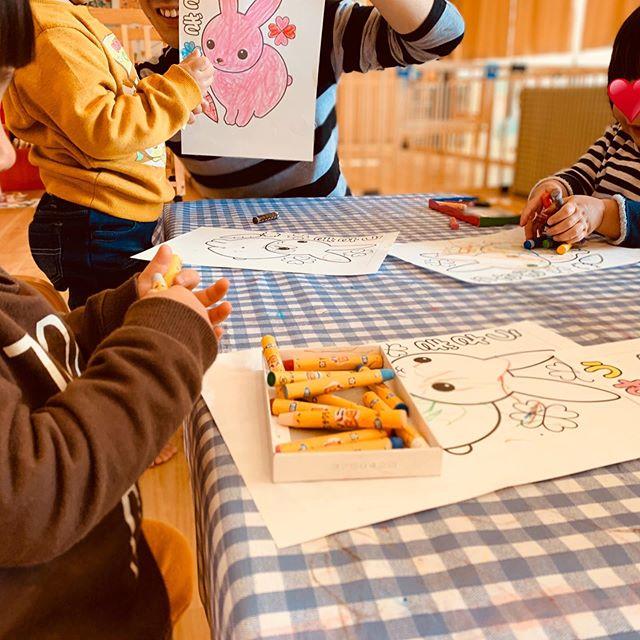 ぬりえをしました子どもらしい色使いが素敵な作品です<br><br>**#ぬりえの時間 #鹿児島市 #かごしま #電車のみえる保育園 #アドナース #東谷山 #企業主導型保育園 #小規模保育園 #一時預かり #完全給食